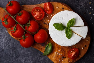 ricotta cheese with basil and tomatoes