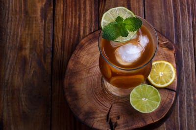 Iced tea with lemon and lime