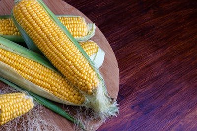 Fresh corn on cobs