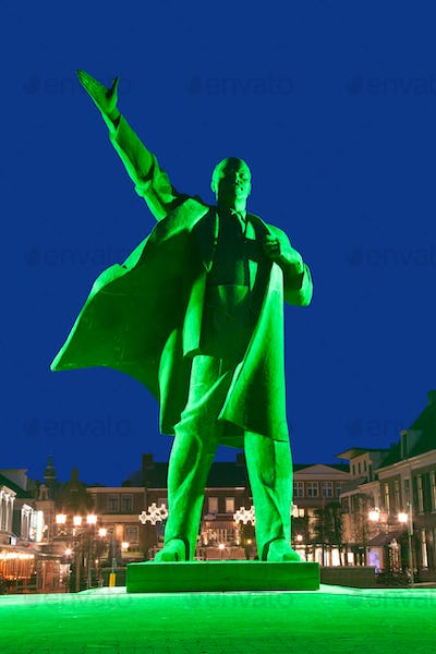 Lenin in Green Light
