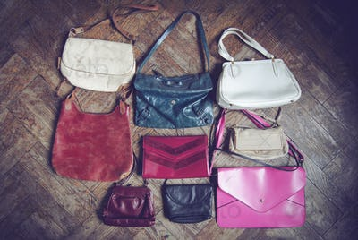 many vintage woman handbags