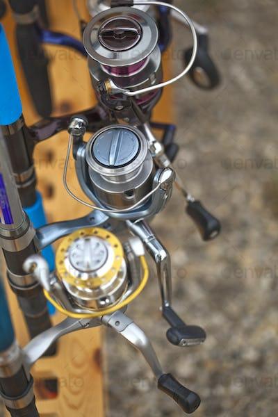 Fishing rod reels