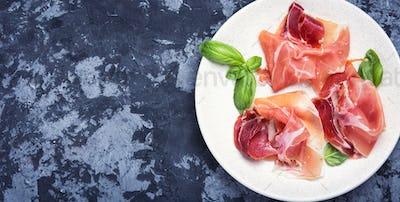 ham served on dish