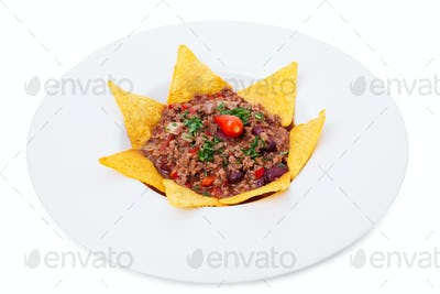 Crunchy beef nachos.