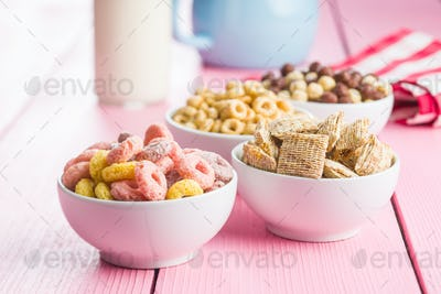 Various breakfast cereals.