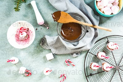 Marshmallow dipped in hot chocolatte