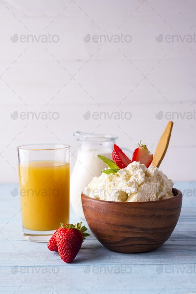 cottage cheese with milk and orange juice