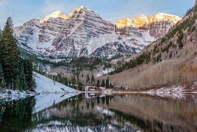 Maroon Bells and Maroon Lake at sunrise
