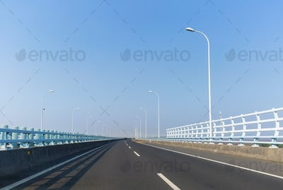 zhoushan cross-sea bridge