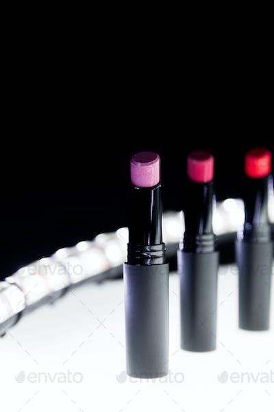 Set of matte Lipstick in red and natural colors