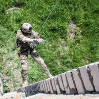 rappeling with weapons