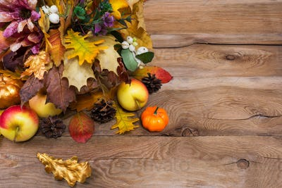 Rustic Thanksgiving greeting golden and yellow oak leaves