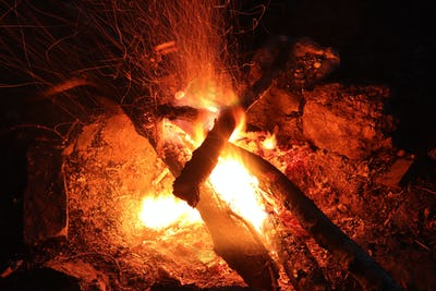 Camp fire - fie and flames - long exposure