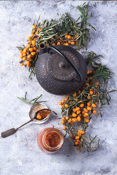 Tea with buckthorn berries