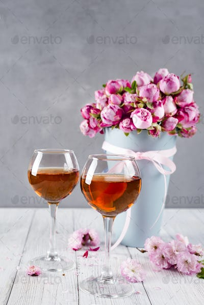 bouquet and wine glasses