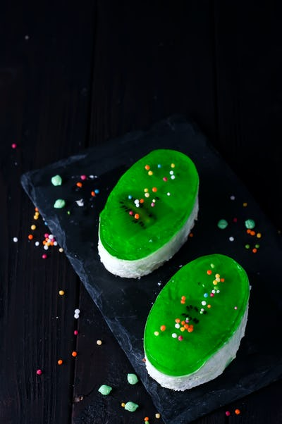 Two portions cake