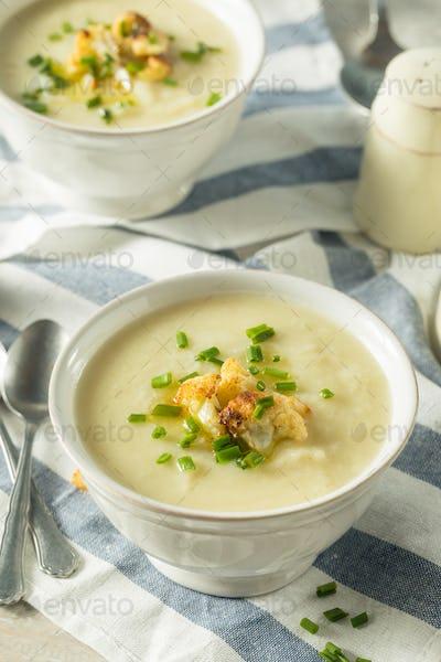 Healthy Homemade Cauliflower Soup