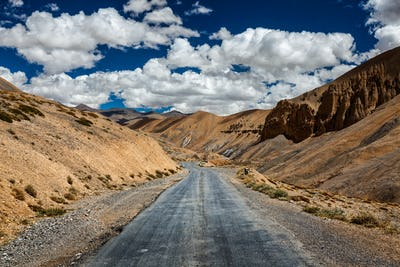 Trans-Himalayan Manali-Leh highway road. Ladakh, Jammu and Kashm