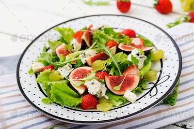"""Easy vegetarian salad with figs, strawberries, grapes, blue cheese """"Dorblu"""" and lettuce."""
