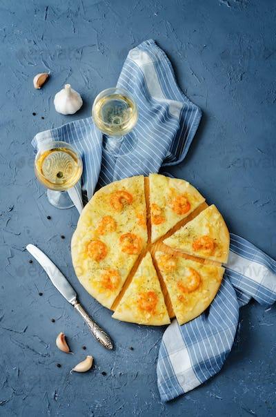 Shrimp garlic cheesy pizza