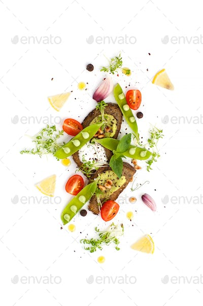 Three sandwiches with Pesto sauce and creamy cream served with y