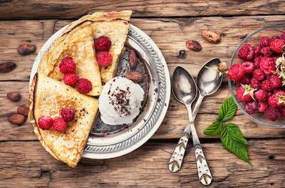 pancakes with raspberries