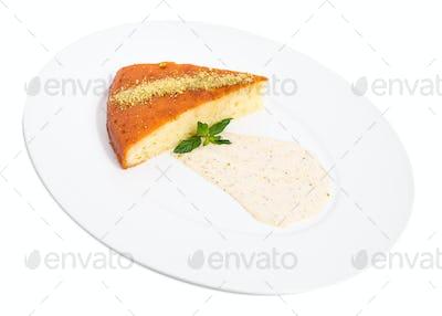 Sweet lemon pie with pistachio mousse.