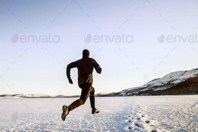 winter running in snow