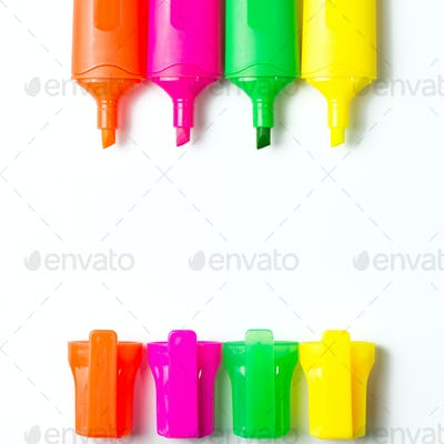 Multicolor highlighter pens