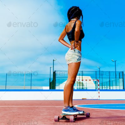 Colombian Girl on longboards. Freedom Street Fashion