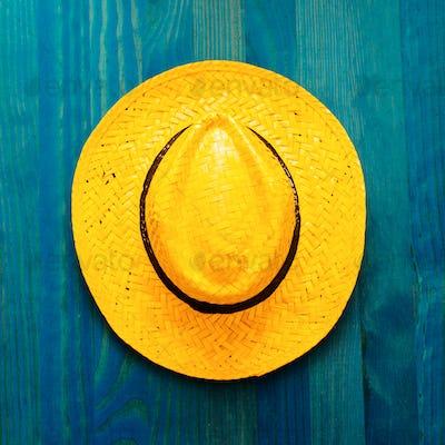 Straw hat. Beach ideas. Minimal
