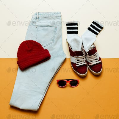 Urban active style. OutfitJeans, cap, shoes
