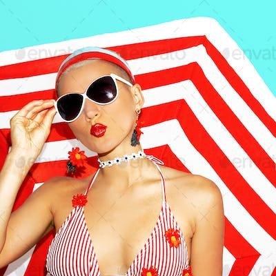 Kiss model. Beach party. Retro style