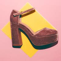 Summer style. Shoes with heels. Minimal art design