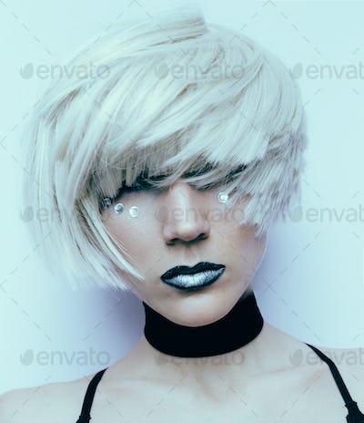 Sensual blonde haircut Stylish Fashion Velvet Choker Necklace
