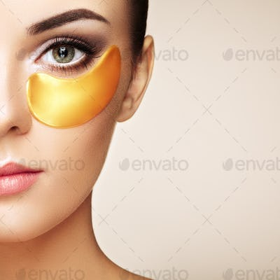 Portrait of Beauty woman with eye patches