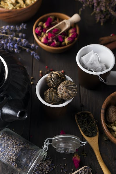 Peach Of The Dragon: Traditional chinese bound tea