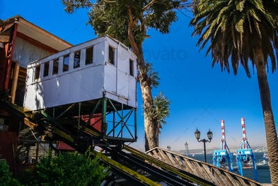 Passenger funicular in Valparaiso