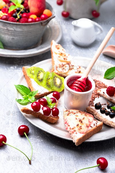Fruit toast on grey background