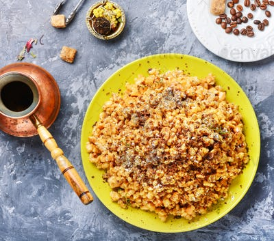 cake anthill with honey