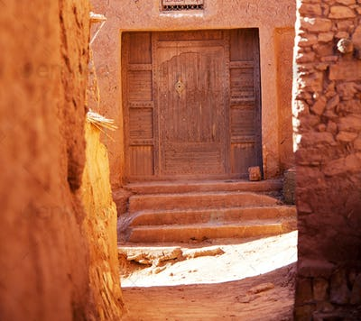 Door in moroccan village