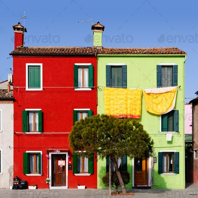 Burano cityscape, green and red houses