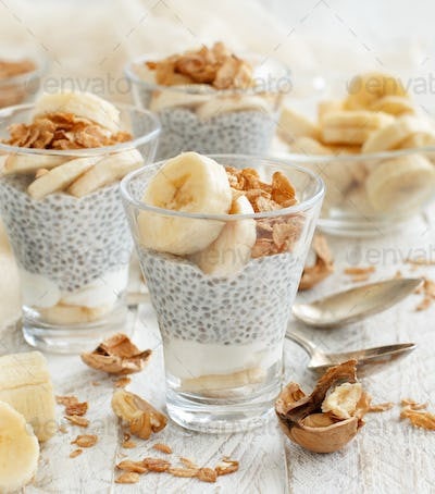 Chia pudding parfait with banana