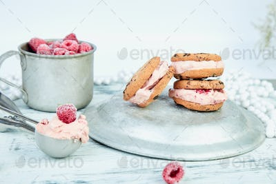 Ice cream sandwiches with strawberry.