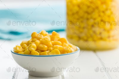 Corn seeds in bowl.
