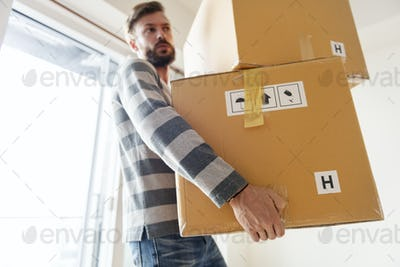 Man moving to new house