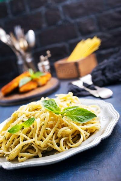 spaghetty with pesto
