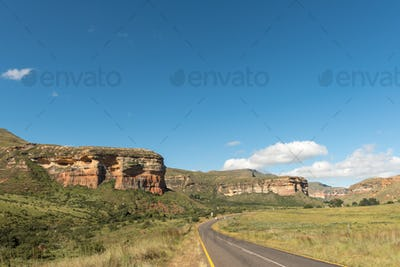 Road and landscape between Clarens and Golden Gate