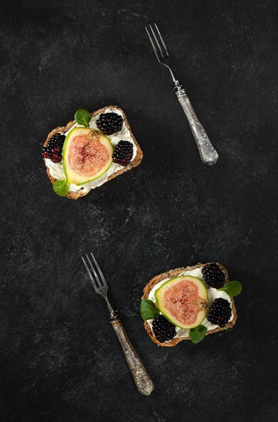 Toast With Cheese Figs And Blackberries
