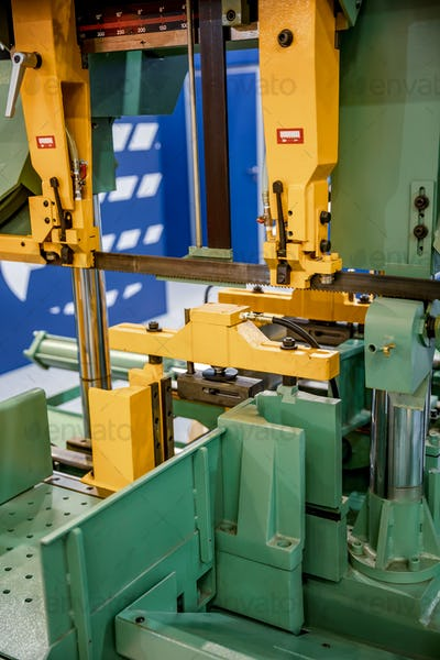 Modern machine Saw